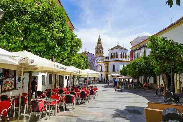 Alquiler de coches: viajar a Andalucía