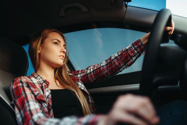 Descuentos alquiler de coches UMH