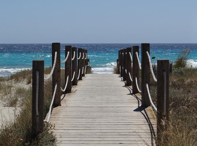 playa son bou - menorca
