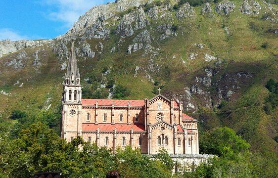 principado de asturias - picos de europa - covadonga